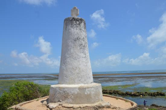 Close up view of the Vasco da Gama Pillar.  Photo Courtesy of Trip Advisor
