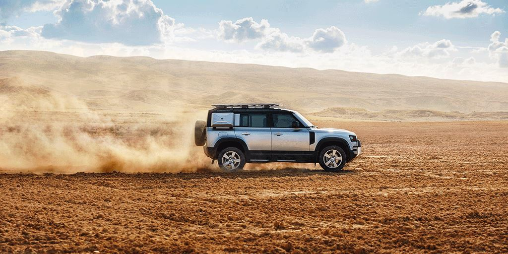 Overlanding in Kenya.  Image Courtesy of Land Rover Kenya