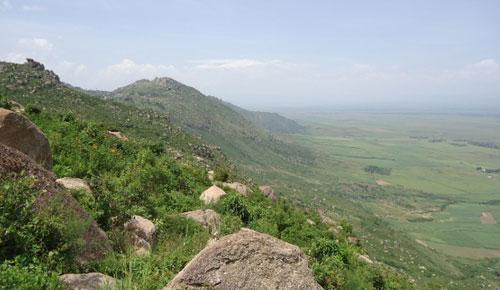 Nyando (Nandi) Escarpment along the boundary of Kisumu and Nandi Counties